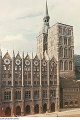 Ayuntamiento de Stralsund; fotografía perteneciente a la Deutsche Fotothek.